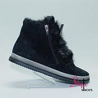 Женские демисезонные ботинки с пушниной черного цвета