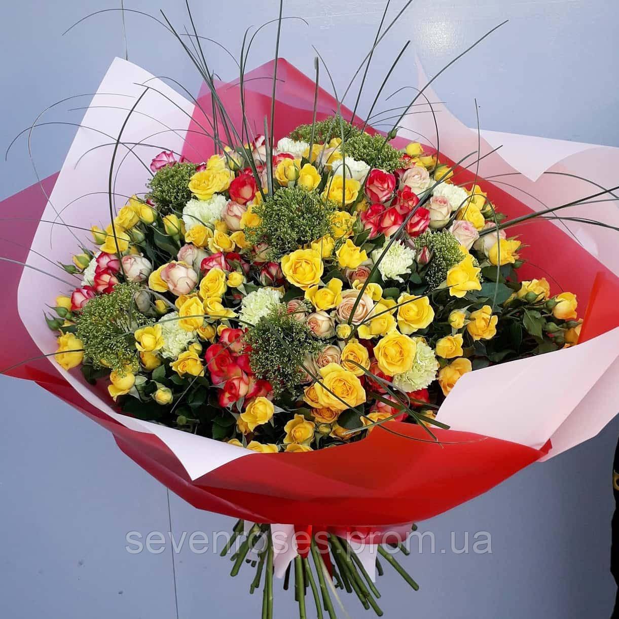Букет микс №2 из розы спрей с экзотикой