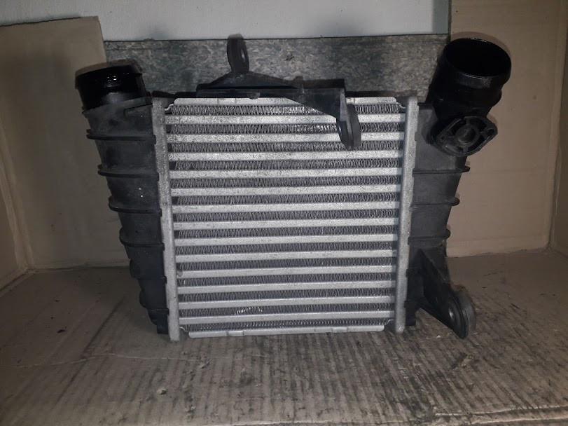 Б/у радиатор интеркулера 6QO145804G для Skoda Fabia II 2007-2014