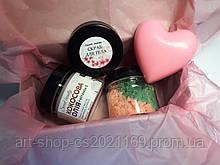 Подарунок для коханої дівчини дружини на 14 лютого