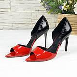 Женские лаковые босоножки на шпильке, цвет красный/черный. 39 размер, фото 2
