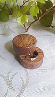 Шкатулка для свадебных колец. Шкатулка для колец из дерева. Шкатулочка для обручальных колец.