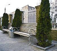 Уличная кованая скамейка