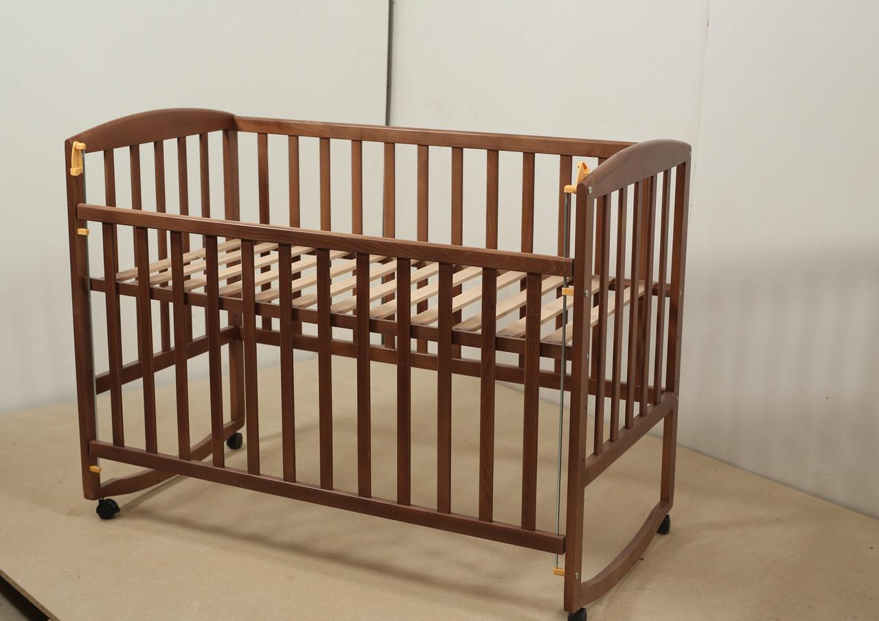 Кровать «AMELI» с подвижной боковиной с дугами и колесами (600 * 1200) (Венге)