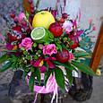 Коробка с фруктами и цветами, фото 3