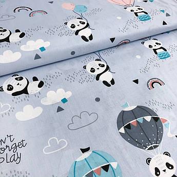 """Польская хлопковая ткань """"Панды с воздушными шарами на светло-голубом"""""""