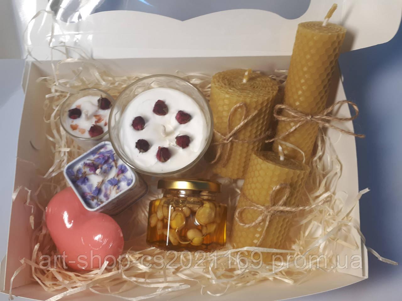 Свечи ручной работы со сладостями