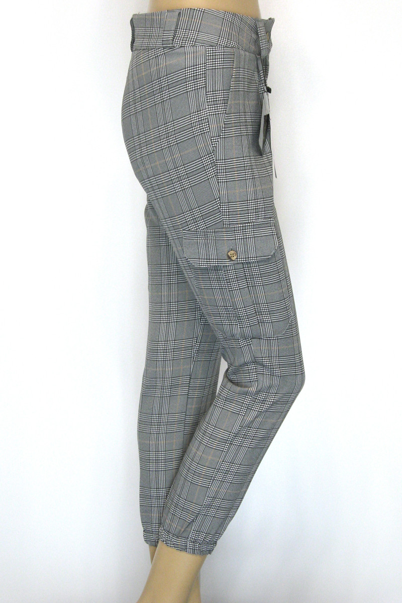 Жіночі брюки в клітку