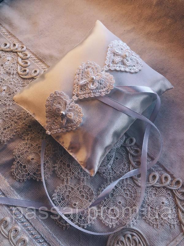 Свадебная подушка для обручальных колец Hearts