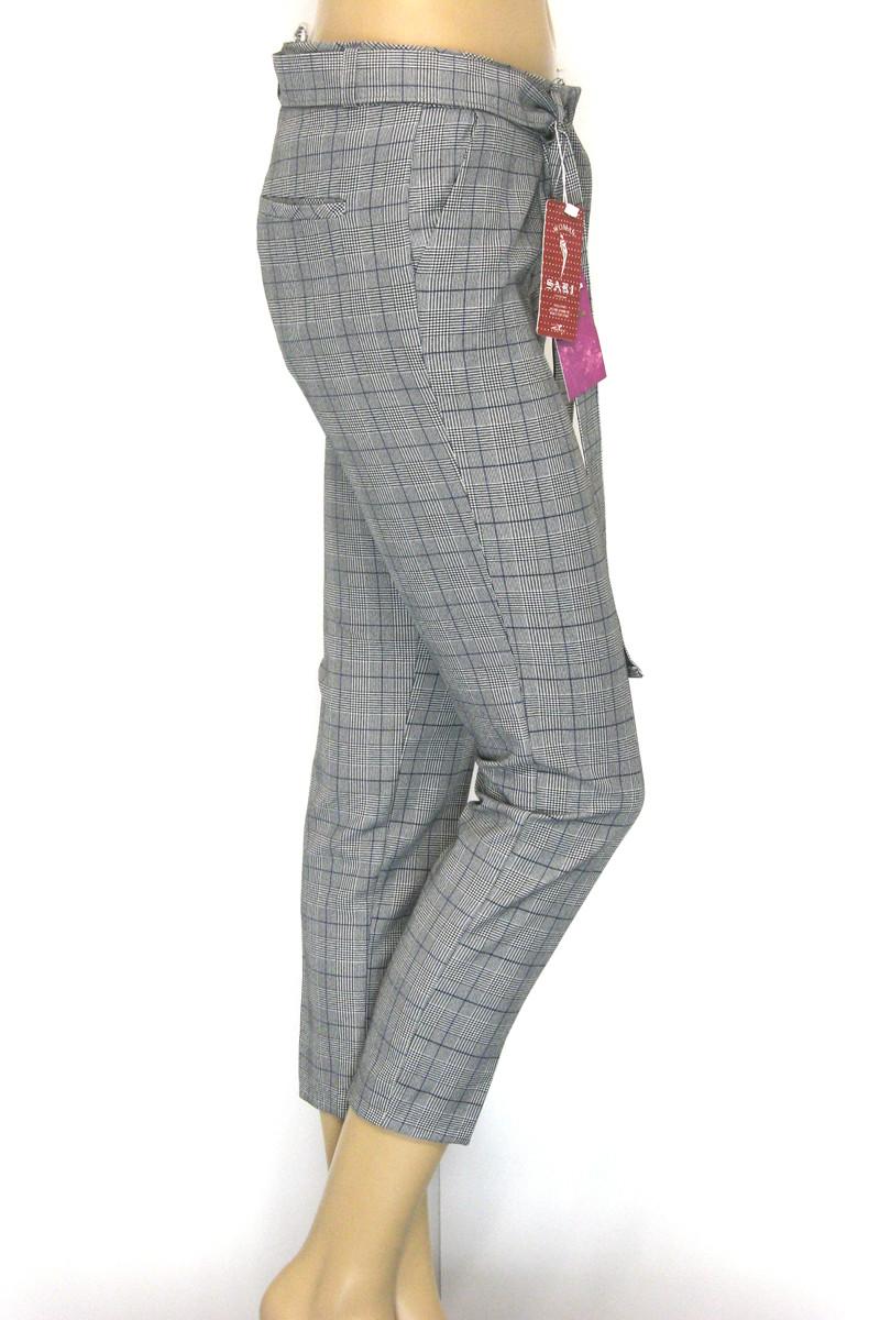 Жіночі сірі літні брюки в клітинку