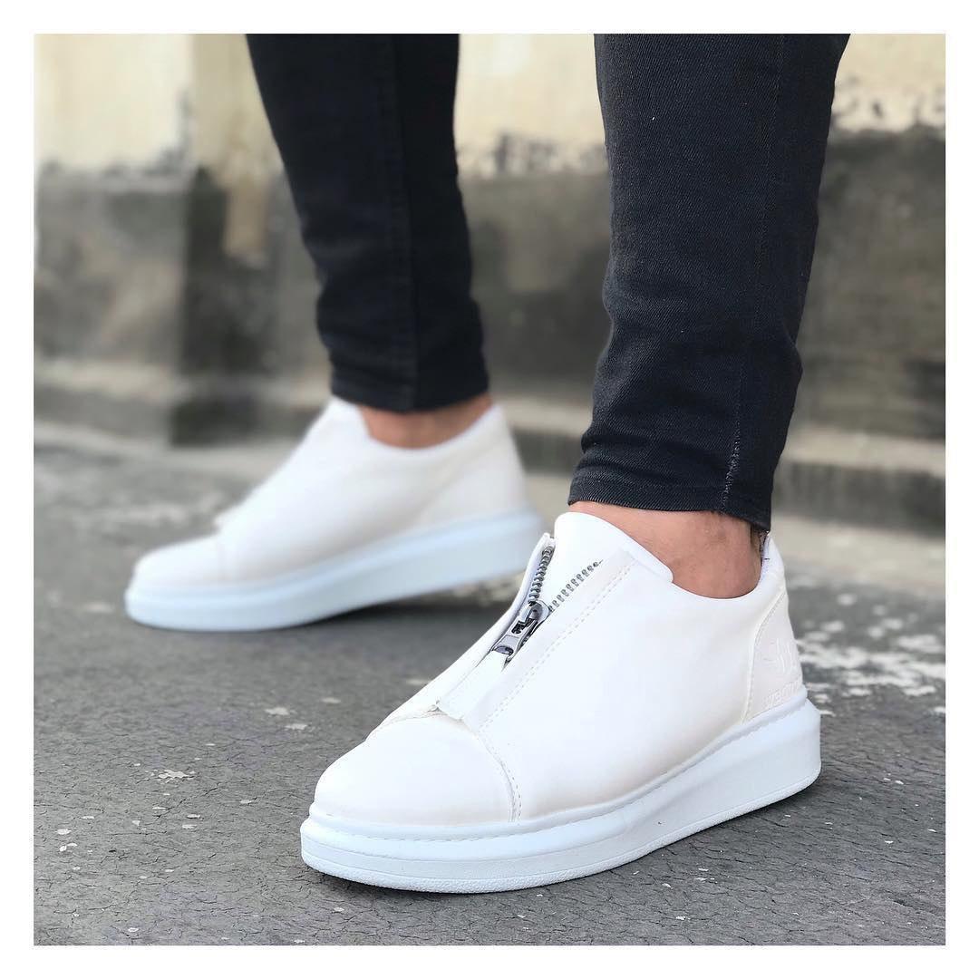 Мужские кроссовки с замком белые