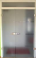 Стеклянные двери двустворчатые
