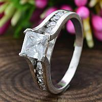 Серебряное кольцо Арника вставка белые фианиты вес 4.0 г размер 19