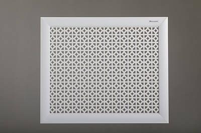 """Декоративная решетка на стальную батарею 50 см х 50 см """"Сталь"""", с креплениями, цвет белый"""