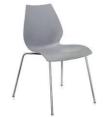 Штабельований стілець Лілі з хромованими ногами, колір сірий