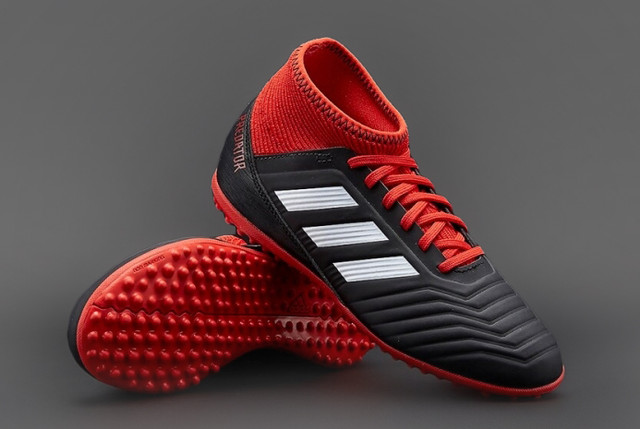detskie-futbolnye-sorokonozhki-adidas-98w01
