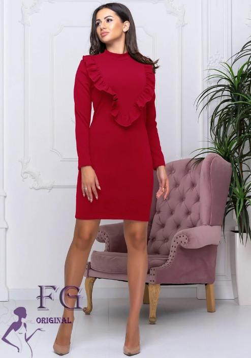 Червоне ошатне плаття футляр під горло до колін з рюшами на грудях
