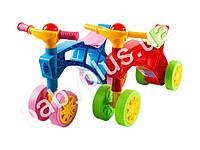 Каталка Ролоцикл четырехколесный с пищалкой на руле. 2 вида. Синий и красный. Технок 2759