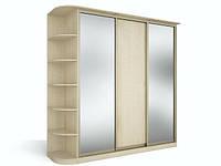 Шкаф с зеркалом в спальню маленького размера.