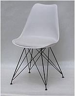 Стул Milan BK-ML белый 07 с мягкой подушкой из экокожи на черных металлических ножках, скандинавский стиль