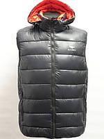 Синтепоновая мужская жилетка. Черного цвета.