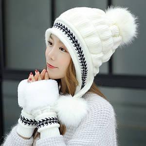 Женская зимняя шапка с помпоном Veno белая