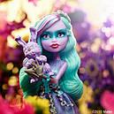 Кукла Monster High Твайла (Twyla) из серии Haunted Getting Ghostly Монстр Хай, фото 7
