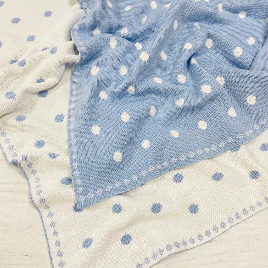 Плед вязанный двухсторонний бело-голубой с горохами 90*70 см (100% хлопок)