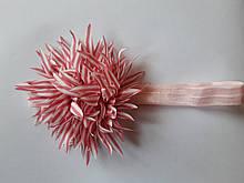 Повязка детская с цветком пудра - размер цветка около 9см, окружность 34-46см