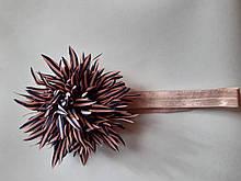 Повязка детская с цветком пудровая - размер цветка около 9см, окружность 34-46см