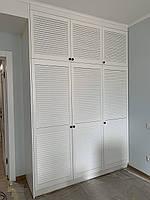 Шкаф с жалюзийными деревянными дверями под заказ любой размер, фото 1
