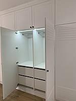 Шкаф в коридор белый под потолок с мдф фасадами краска., фото 1