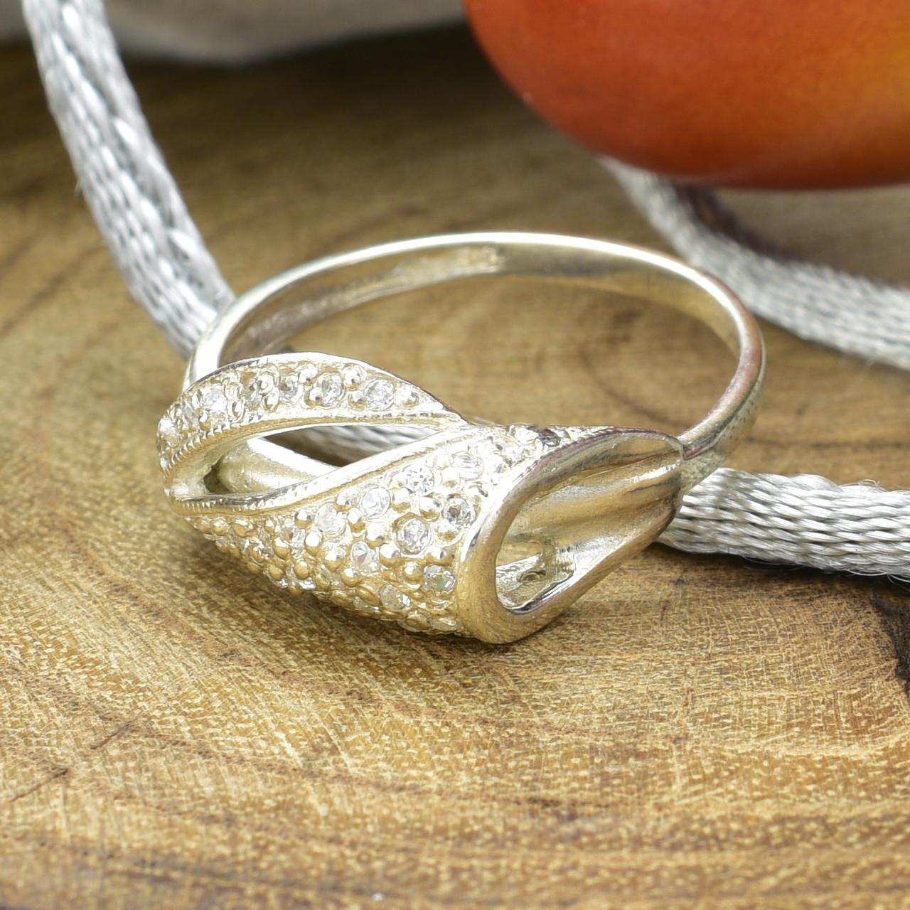 Серебряное кольцо ЯК43 вставка белые фианиты вес 2.1 г размер 17
