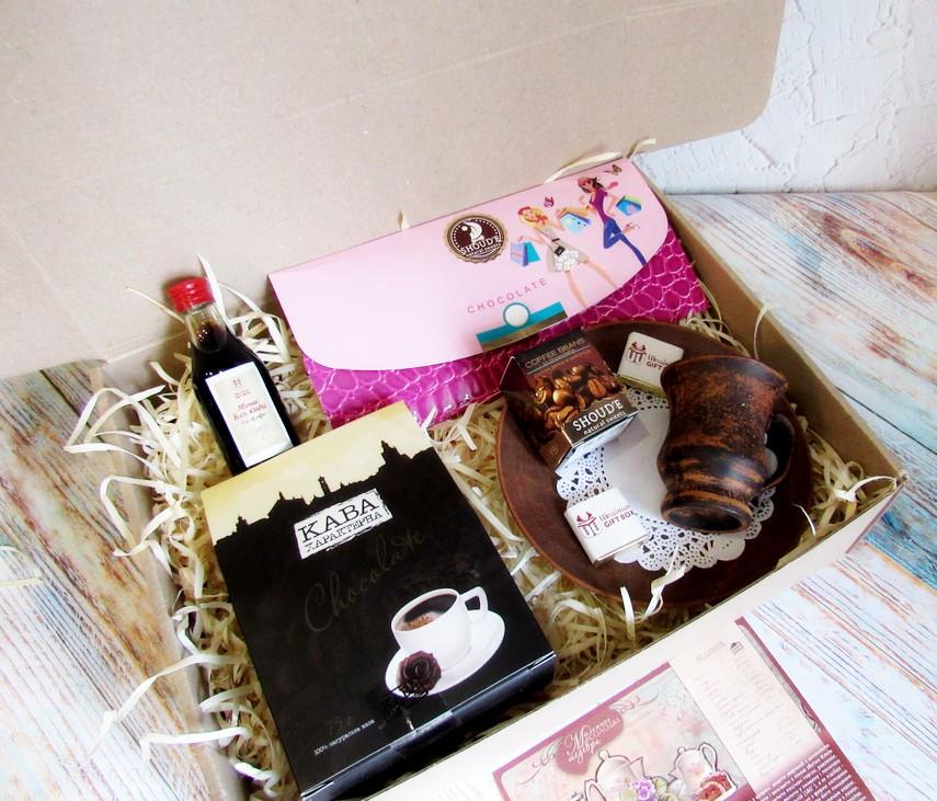 """Подарок для неё на 8 марта - комплимент """"Кофейный клатч"""" с кофе и шоколадом"""