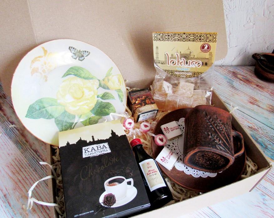 """Подарок для женщины - набор """"Золотая Роза"""" с кофе и сладостями"""