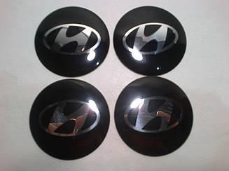 Наклейка выпуклая на колпачок диска Hyundai 56 мм черная