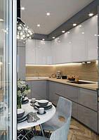 Кухня на заказ с серо белыми крашеными фасадами, фото 1