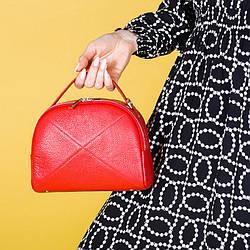 Женская сумочка из натуральной кожи красного цвета