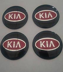 Наклейка выпуклая на колпачок диска Kia 56 мм красная