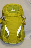 Женский салатовый рюкзак Onepolar 2185