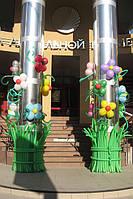 Украшение колонн воздушными шарами.