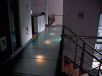 Стеклянные полы с подсветкой
