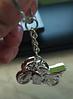 Брелок на ключи спорт мотоцикл гонщик металлический серебристый, фото 2