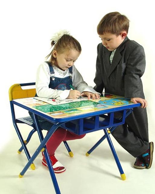 Школьная ярмарка - мебель и мольберты