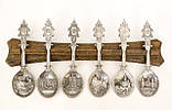 Комплект оловянных ложек на деревянном подвесе, ANNO DOMINI, олово, Германия, фото 2