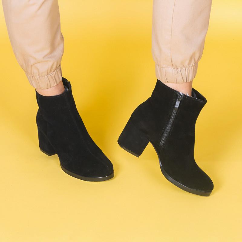 Замшевые черные женские ботинки на удобном каблуке, деми, зима. Каблук 6 см. Цвет любой