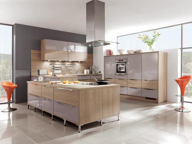 На фото: кухня на заказ Черкассы выполненная в современном стиле