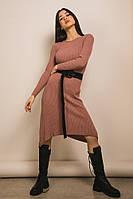 Женское осенне-зимнее вязаное платье до колен грязно-розового цвета (размеры S-M)