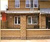 Стены и заборы из кирпича Литос