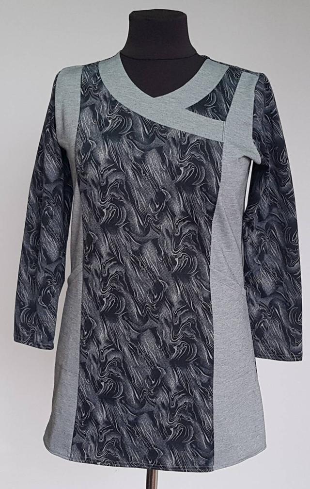картинка женская туника с карманами серый цвет